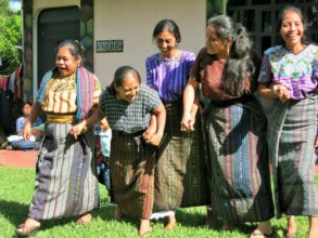 Sponsored mothers in the 6-legged race!