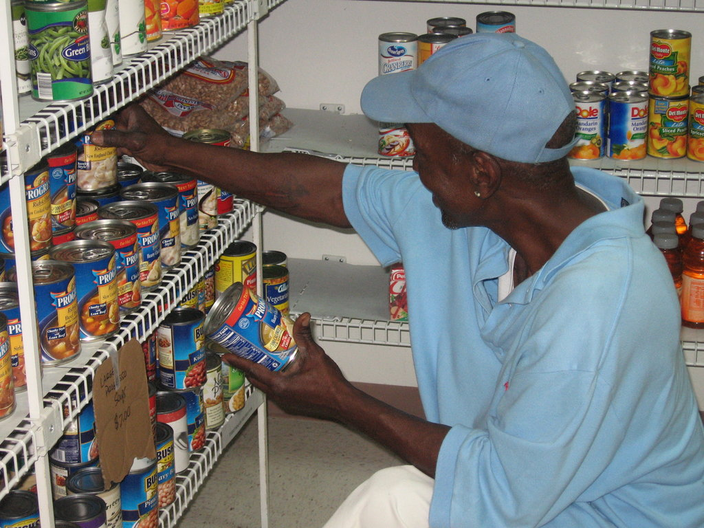 Feed 500 members of Tampa's HIV/AIDS Community