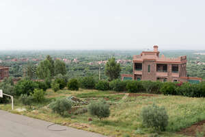 Dar Taliba was built near a middle school
