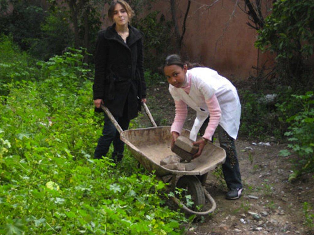 Benefit 700 Moroccan girls through school gardens