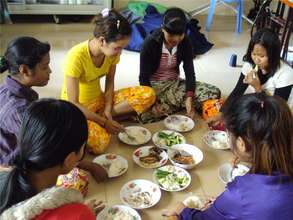 Students eating lunch provided by GG donations