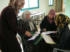 Discussion during economic assessment in Qabatiya