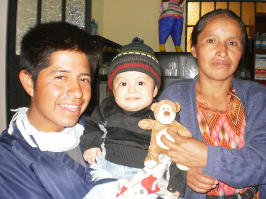Mother, father, and baby Gerson ready to go home!