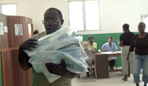 Carrying Kits to Centre De Sante in Haiti