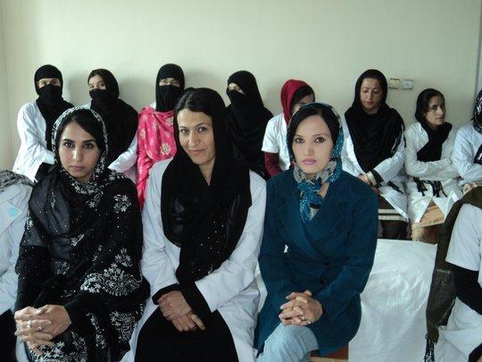 Zaghrona Sabet (center) and her classmates