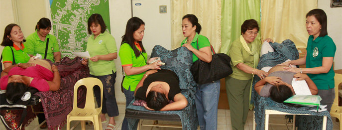 Obstetricians providing help to pregnant women