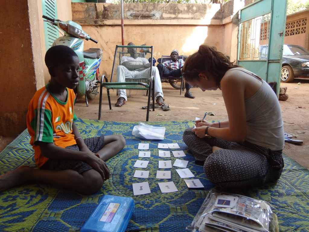 Koro with volunteer