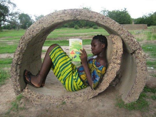 africa-village-girl