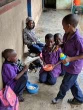Pizz Students enjoying som lunch