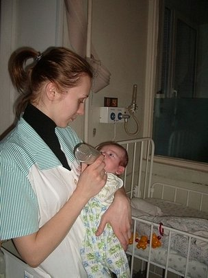 Nursing care for orphan children in hospitals