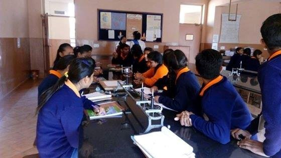Joint science workshop with Mayoor school students