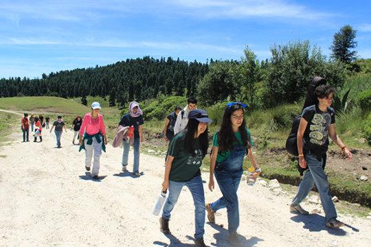 literacy volunteers arriving to San Jose