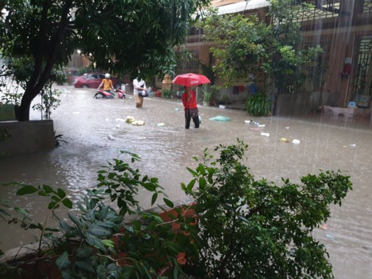 Rain and flooding in KE manager's neighborhood