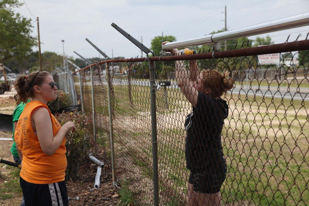 Repairing a perimeter fence