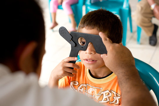 First eye exam for a student in El Salvador