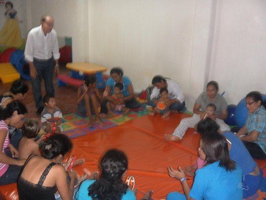 mothers early stimulation training sesion