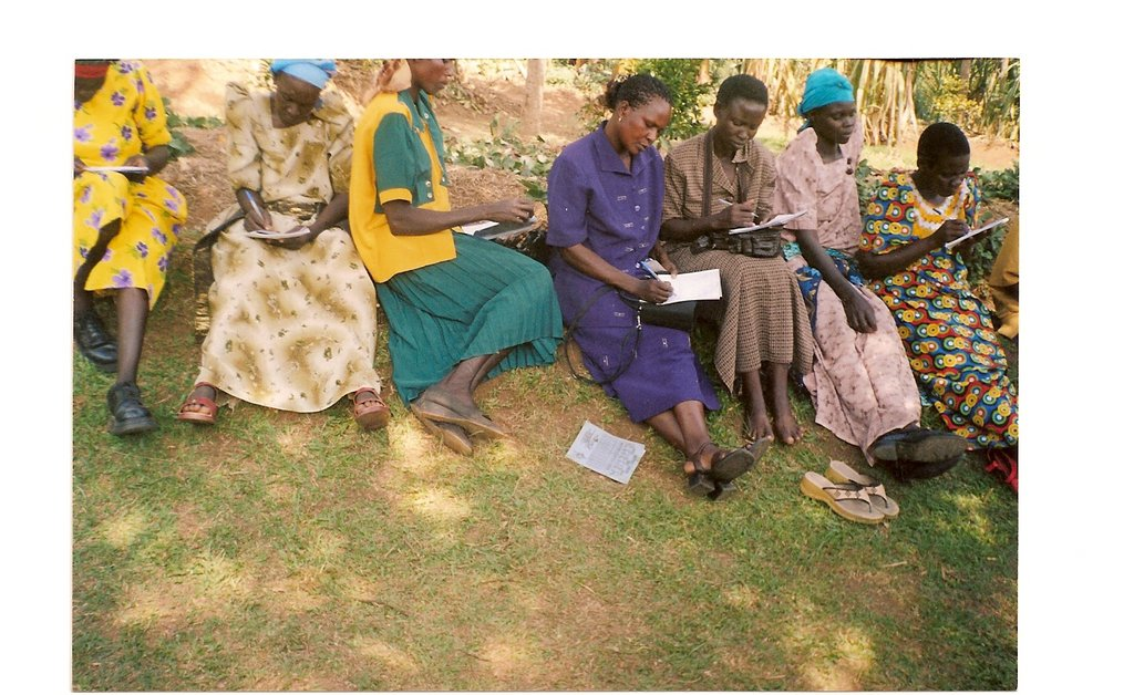 Empower 750 Ugandan rural women start businesses.