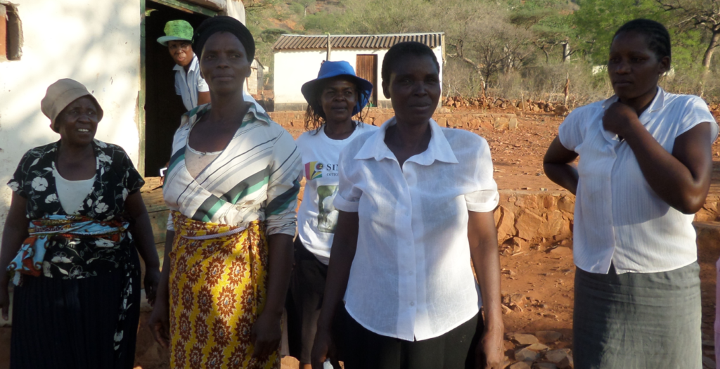 The Six Women Who Participate In The Project