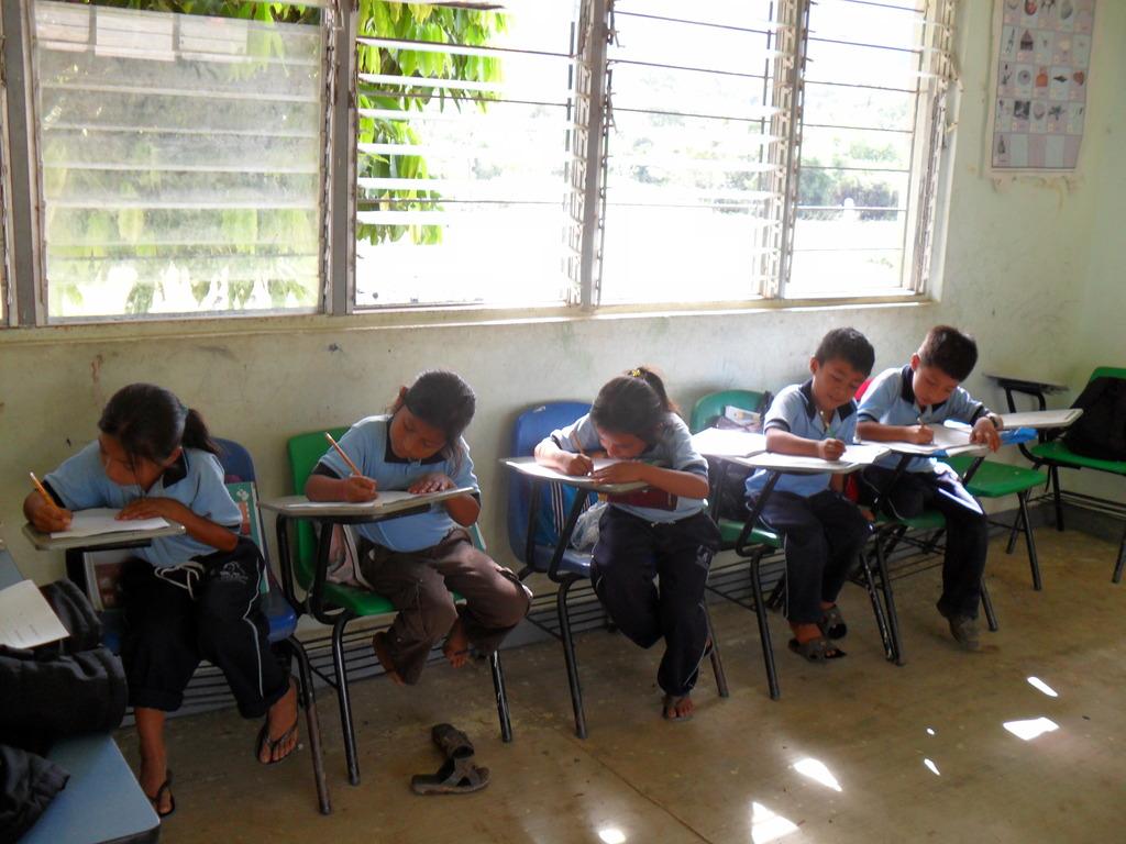 Chiapas participants completing evaluation forms