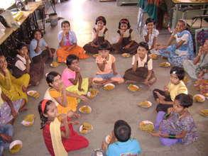 Children enjoy nutritious snacks