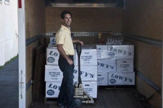 Move For Hunger's first-ever delivery in 2009
