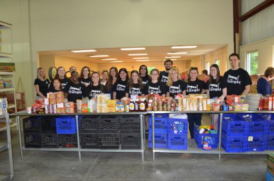 Summer 2016 Interns Volunteering at the Food Bank