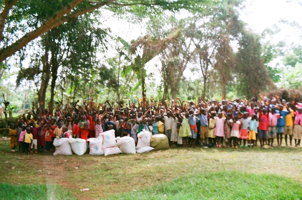Orphans group photo,welcoming support from GG