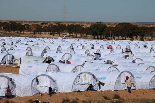 Tents for thousands at the border