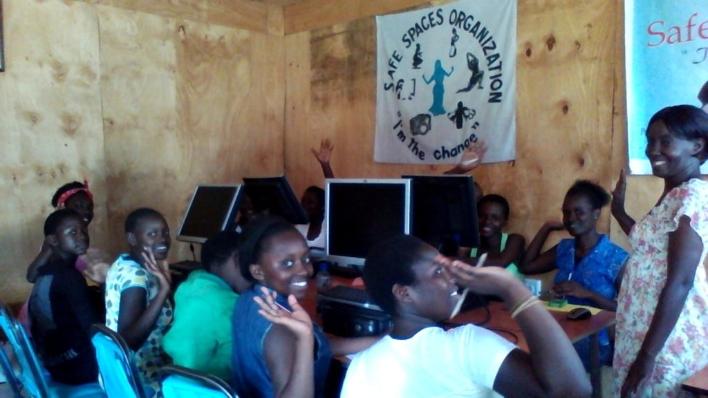 girls in computer class
