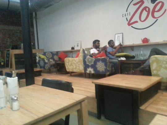 Cafe Zoe: Relaxing area