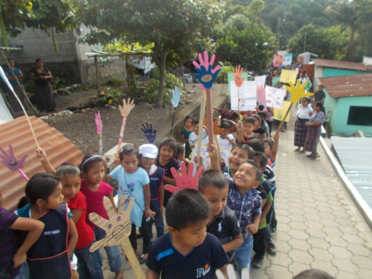 Nueva Vida kids raise awareness in the community