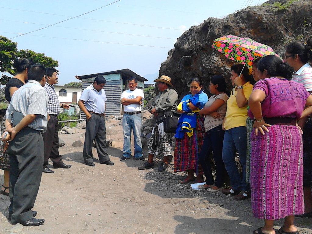 Nueva Vida teachers learn about WASH