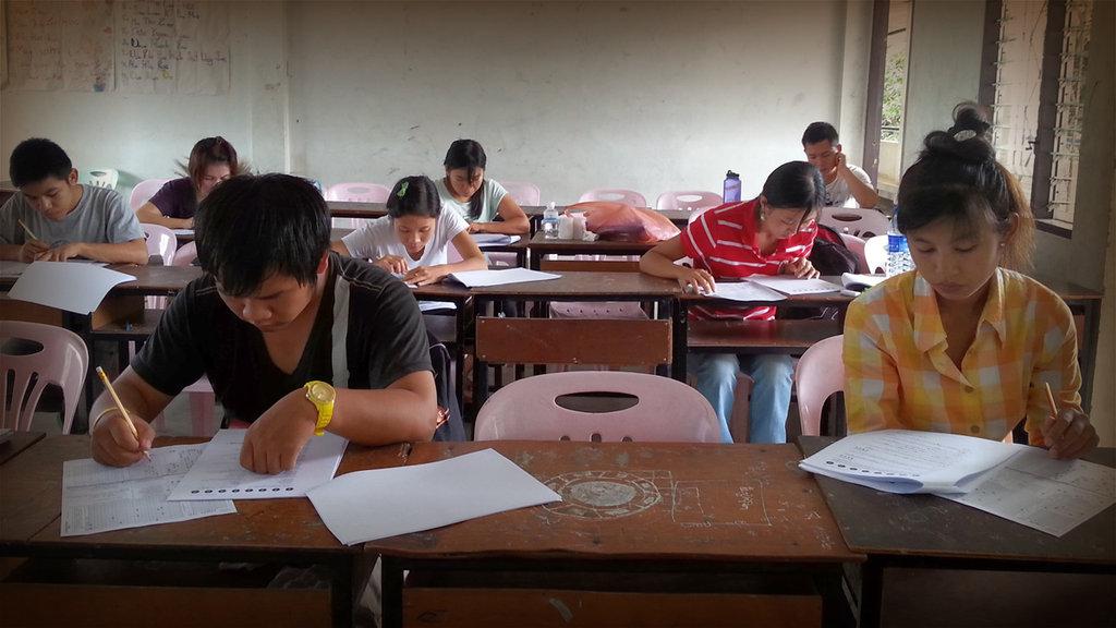 EPOP stundents sit the TOEFL ITP exam