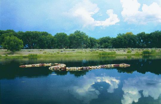 Nos susurra el rio y silva la serpiente, 1999
