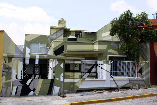 The house that morphs and expands