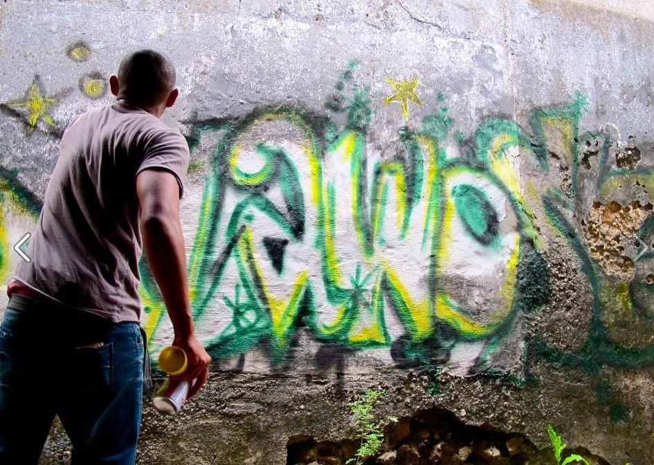 Graffiti. Bagamoyo Town. Artist promotion.