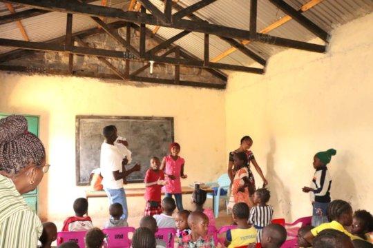 Informal School Kids singing and dancing