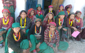 Mothers participating in maternal health education