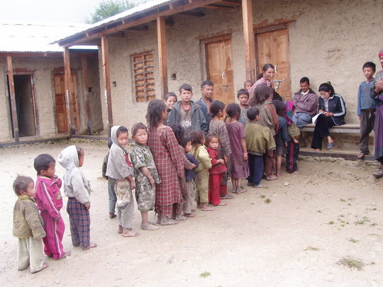 Children lined up for de-worming