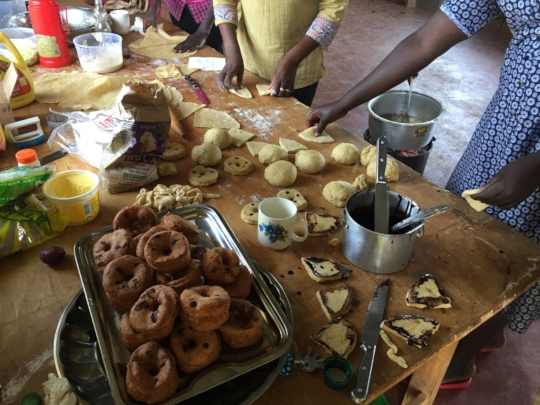 Mandasi doughnuts prepared by students