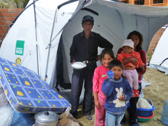 Family receives ShelterBox