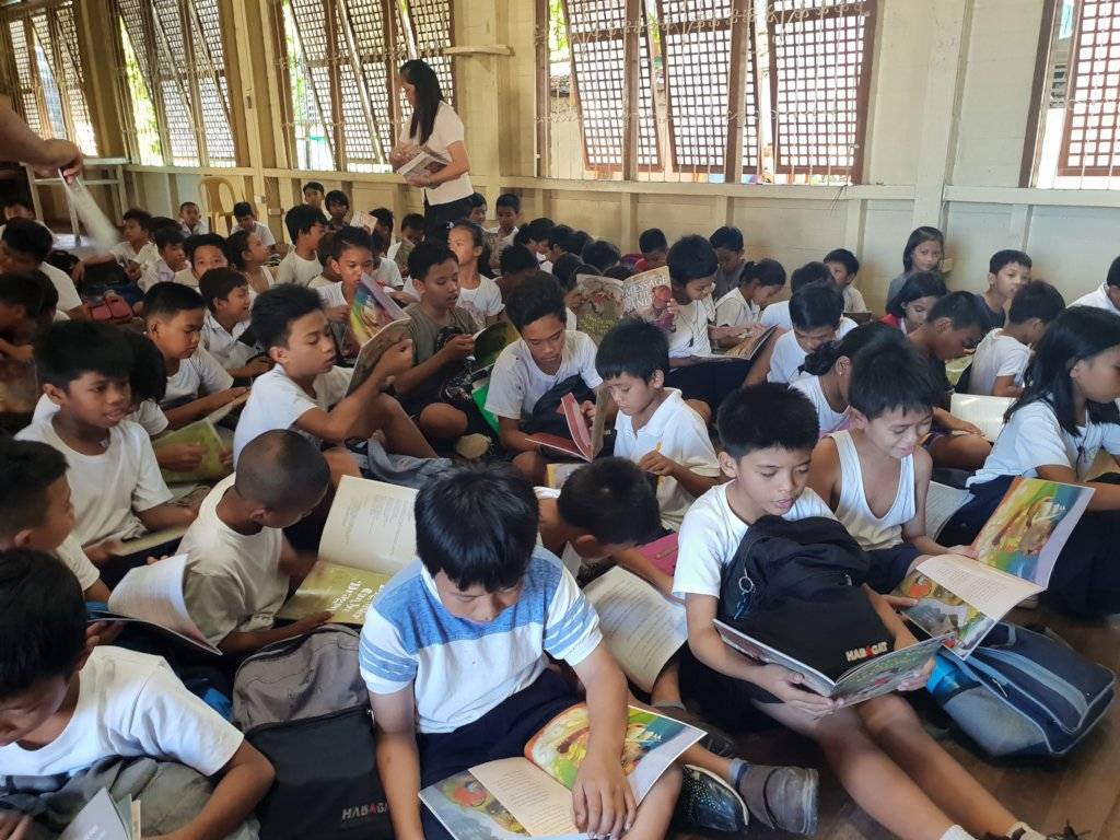 Bookgiving in Cebu City