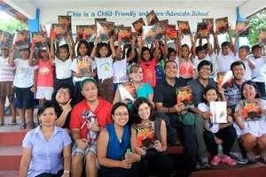 GlobalGiving away our books in San Antonio