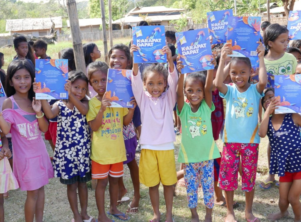 Bookgiving for the Tagbanua kids of Palawan
