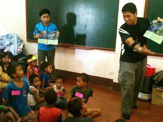 Storytelling in an evacuation center in Zamboanga.