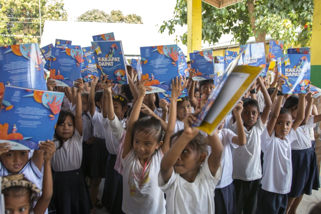 Bookgiving for the kids of the Aetas in Tarlac