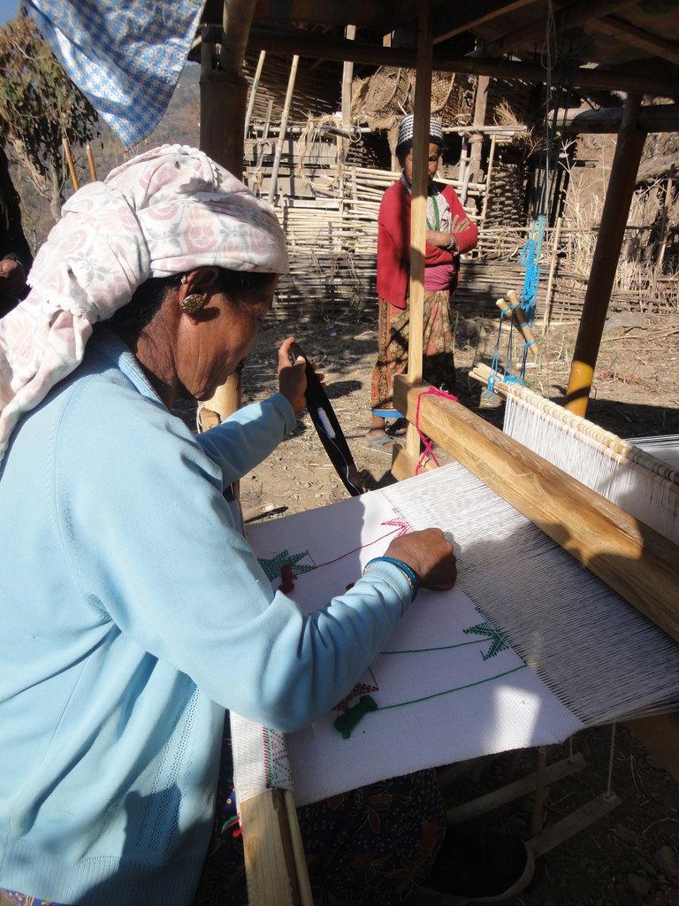 Livelihood: Khesh weaving training to Limbu women