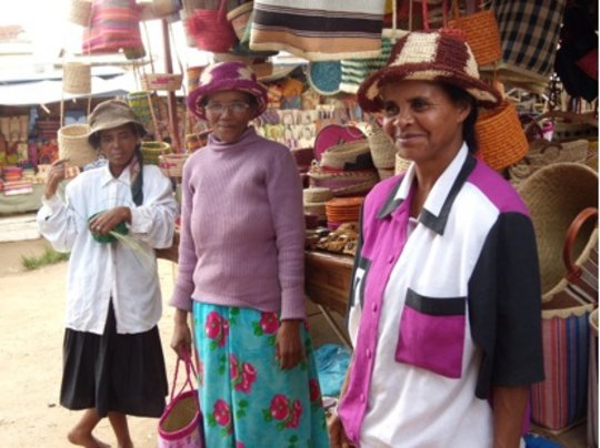Educate 5 street mothers in Madagascar