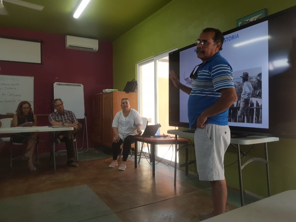 Mario Castro sharing Cabo Pulmo