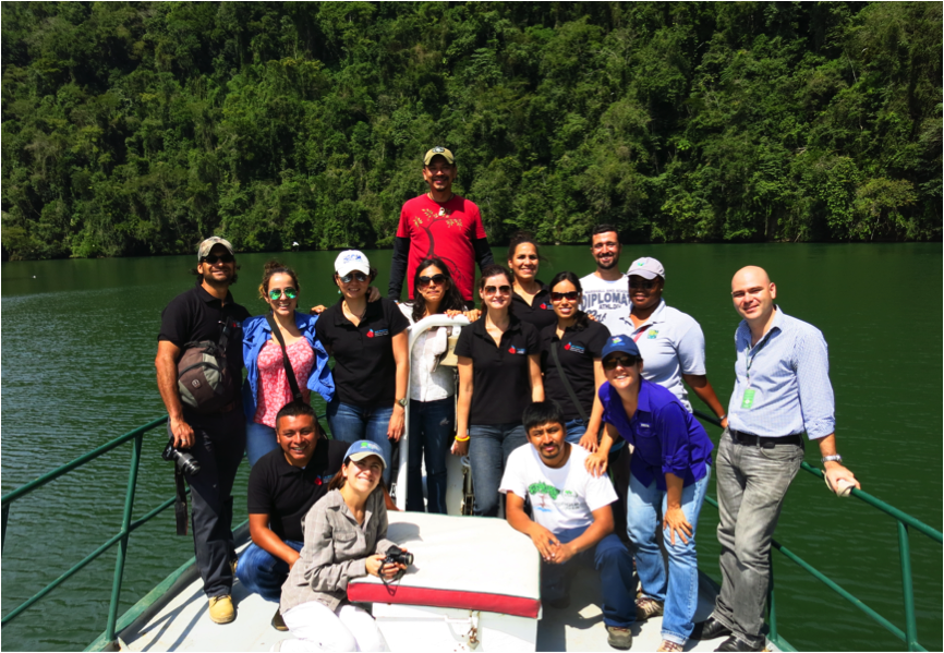 2015 MAR cohort onboard La Garza in Rio Dulce